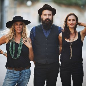 The-Waifs-At-Caloundra-Music-Festival-Indulge-Magazine